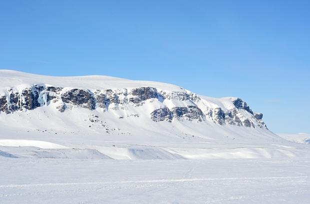 Felswand des Sjäksjo